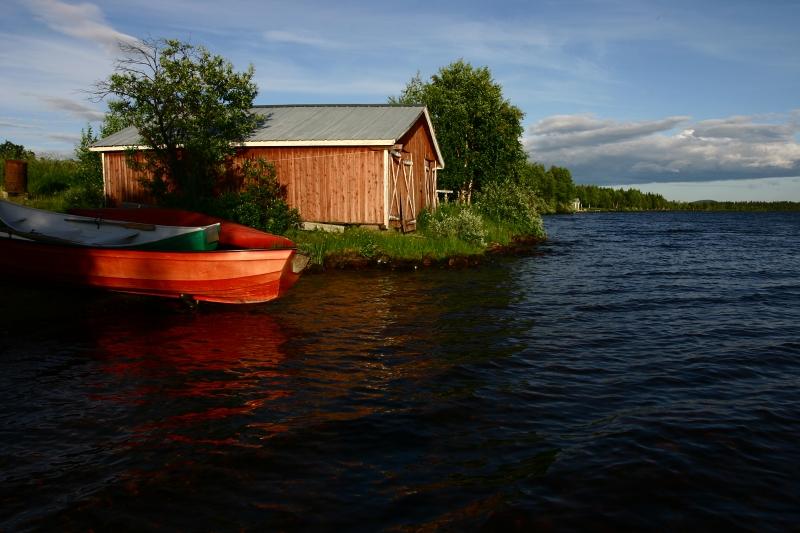 Jezero poblíž Kiruny.