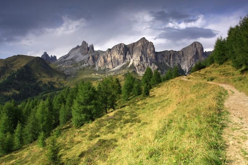 Dolomity, Becco di Mezzodi a Ra Rocheta.