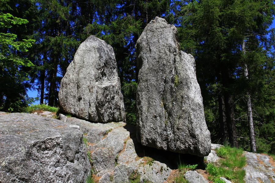 Pohanské kameny (Slunovratové kameny)